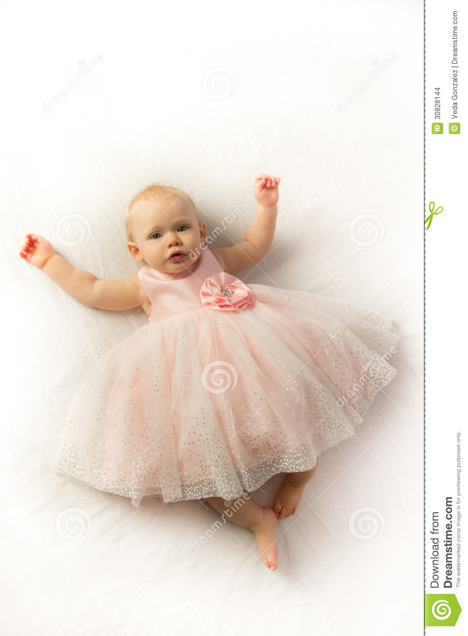 Baby Girl Dresses She'll be pretty as a princess in baby girl dresses from Kohl's. Perfect for any formal occasion, baby dresses are essential for your little one's wardrobe.