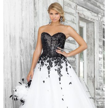 black-dress-with-white-lace-top-always-in-style_1.jpg