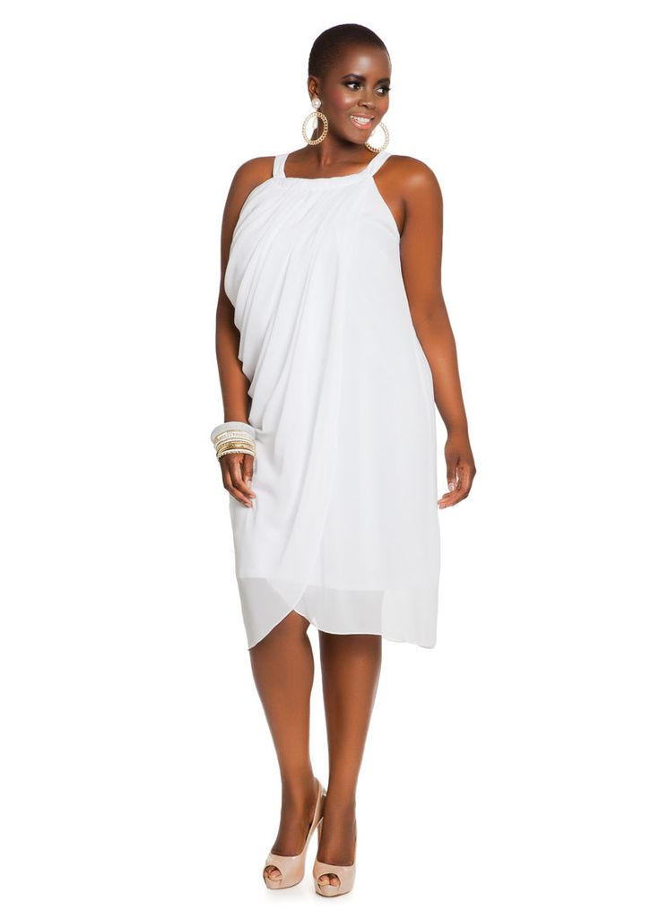 Not matter your size or body shape, there are many kinds of plus size dresses that will help you to wear this women's wardrobe staple with confidence and style. Dresses are amazing because can be super comfortable and you can wear them all year long according to how your style them.