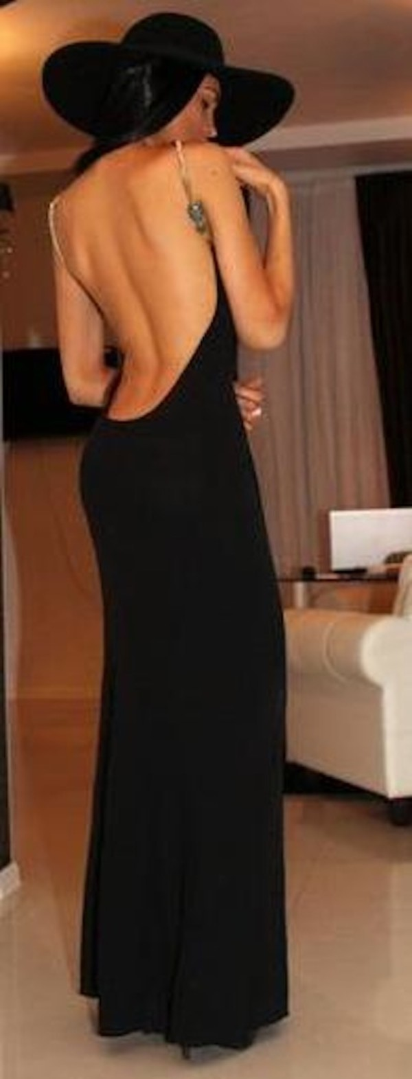 Long Backless Maxi Dresses : Elegant And Beautiful