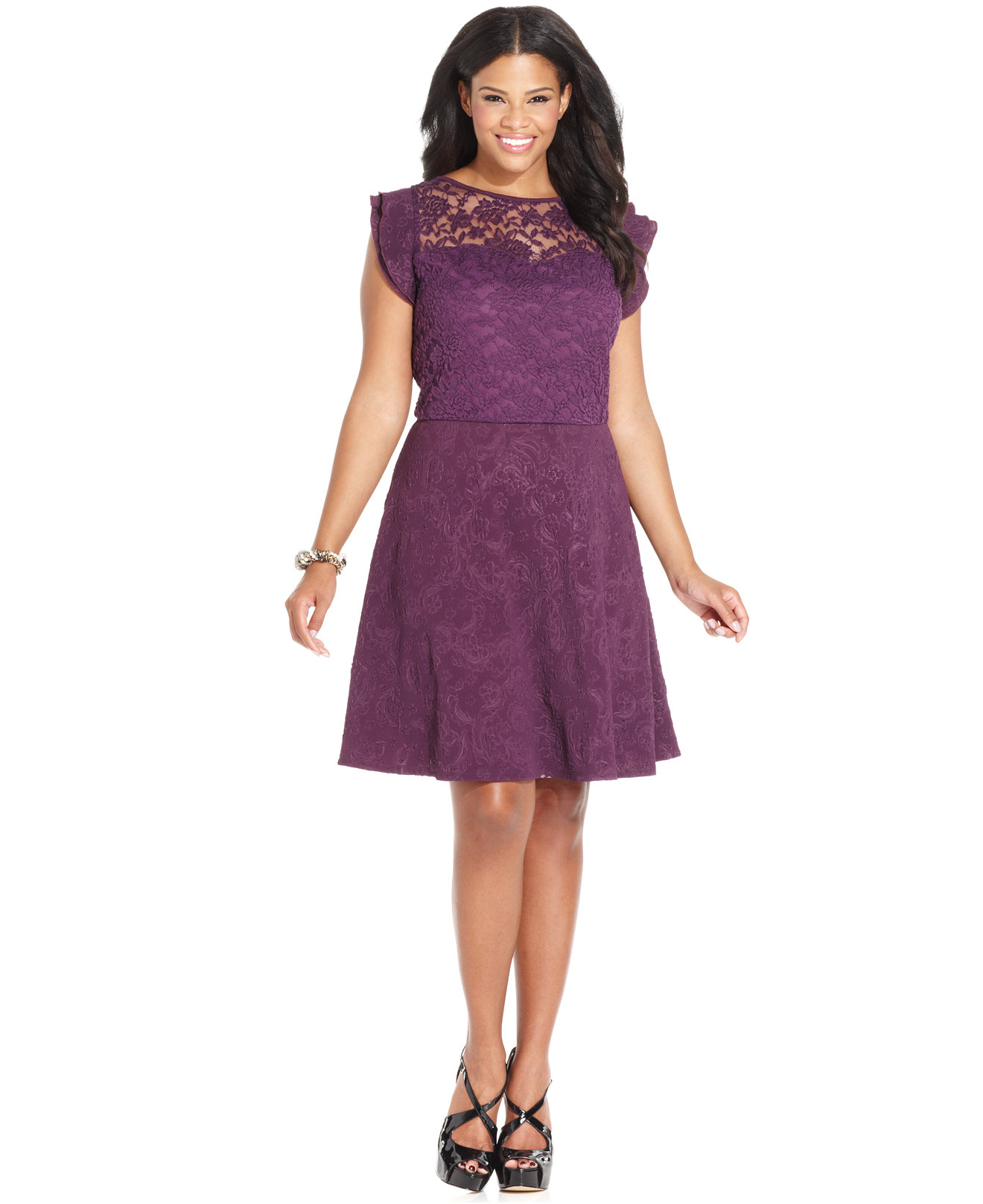 Slip into a swing dress, skater dress, print maxi dress, or floral wrap dress for a brunch party, bridal shower, or any low-key, daytime fete. A cocktail or formal event calls for fancier fare, so take it to the next level with an amped-up style like a sequin dress, lace dress, one shoulder dress, or cutout dress in mini, midi, or maxi length.