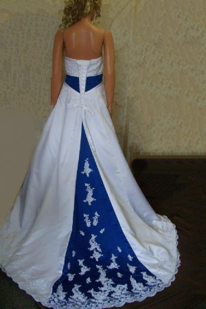 white-dress-blue-lace-a-wonderful-start_1.jpg
