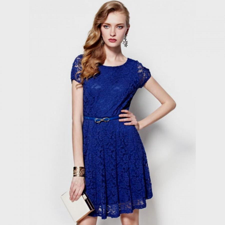White Dress Blue Lace : A Wonderful Start