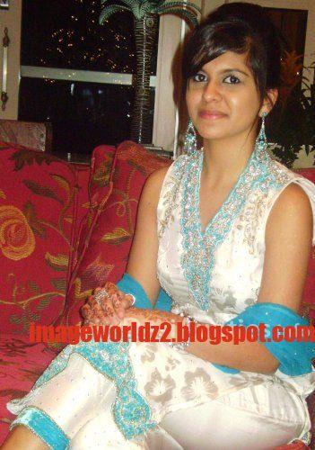girls-not-put-dress-make-your-evening-special_1.jpg