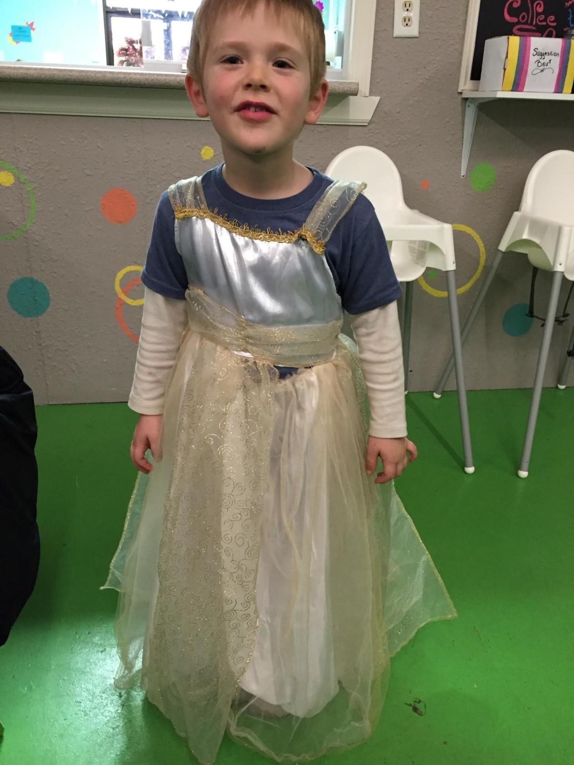 Mom Dresses Boy Like Girl - Choice 2017